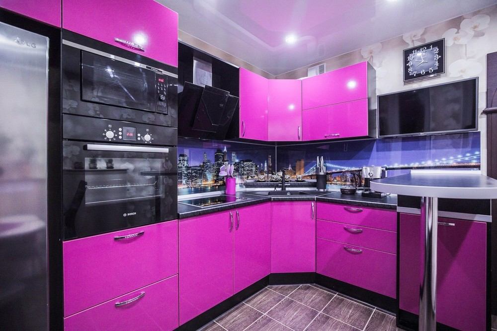 угловые кухни фиолетового цвета фото студия это