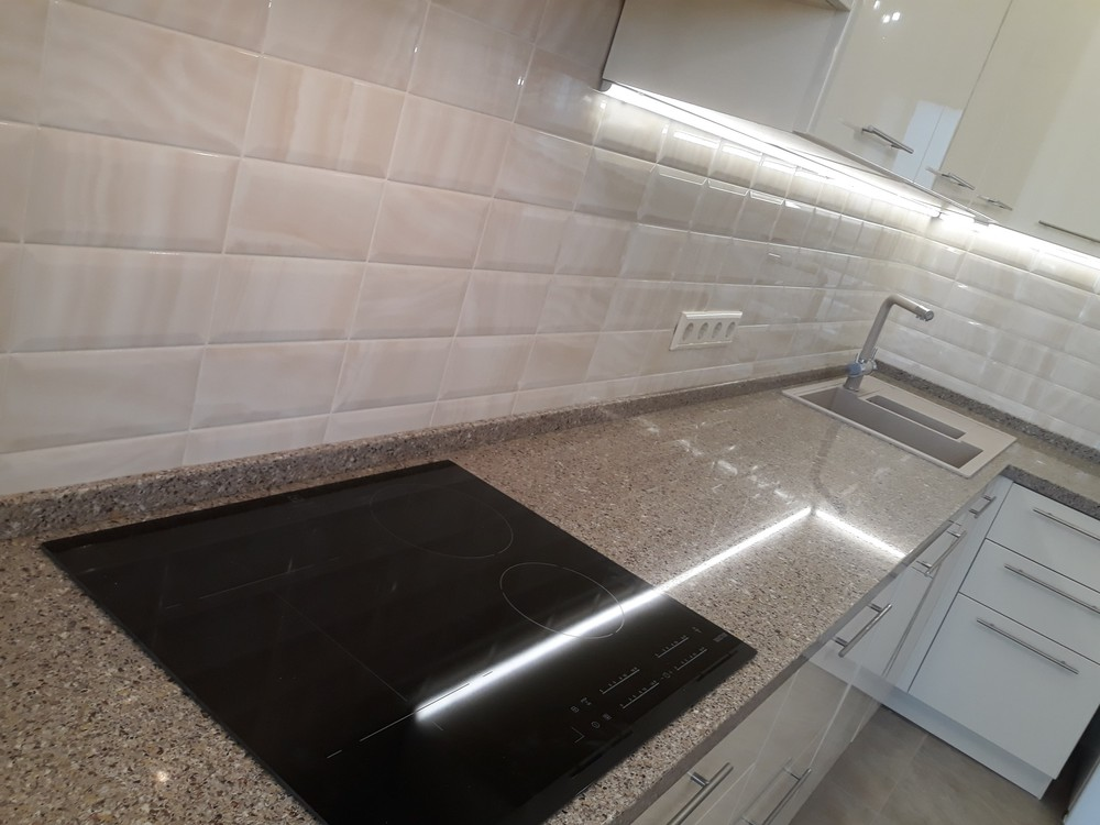 Белый кухонный гарнитур-Кухня МДФ в ПВХ «Модель 279»-фото4