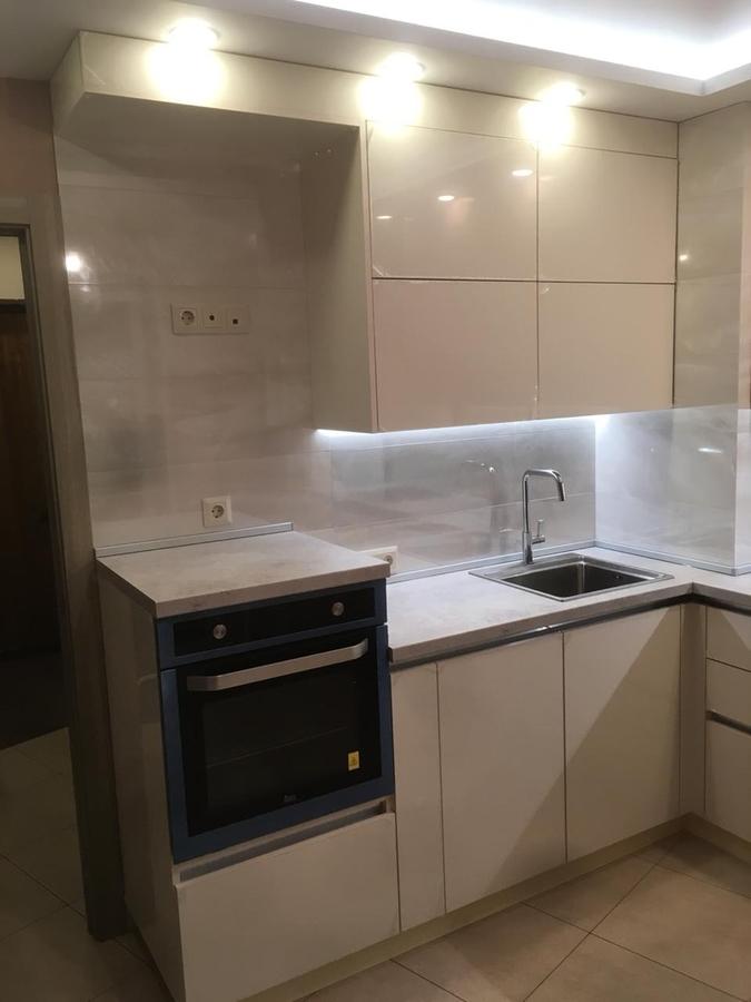 Белый кухонный гарнитур-Кухня из пластика «Модель 337»-фото2