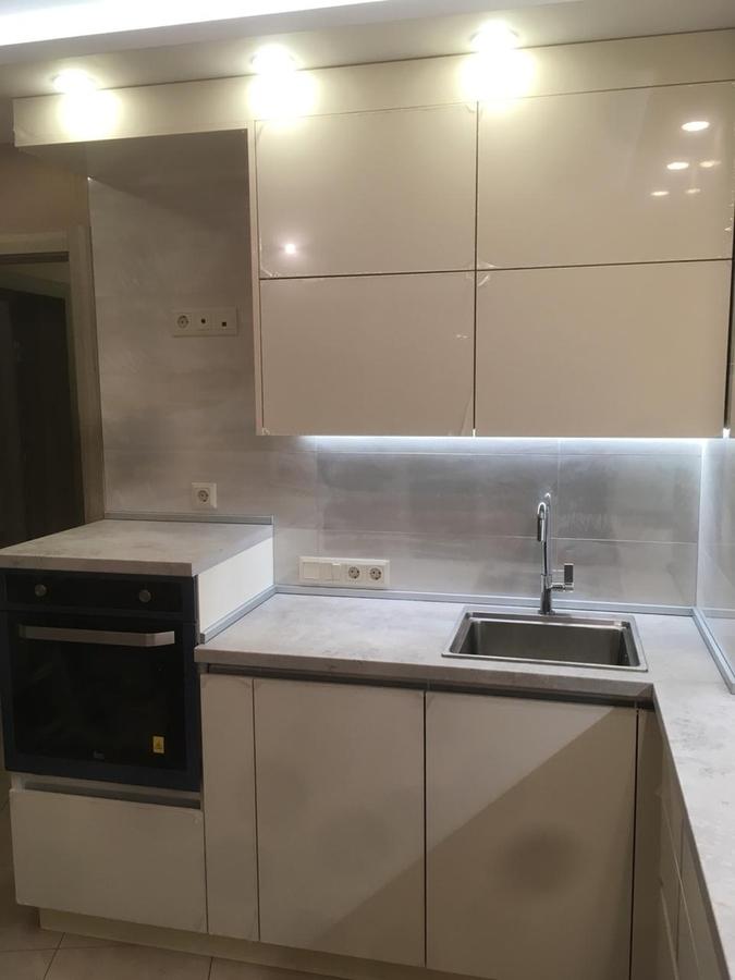 Белый кухонный гарнитур-Кухня из пластика «Модель 337»-фото3