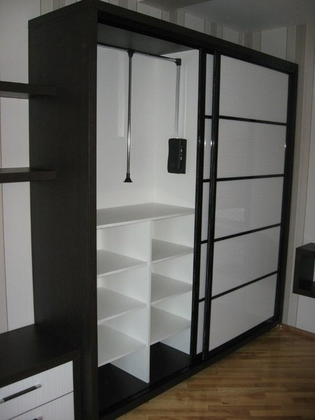 Белые шкафы-купе-Шкаф-купе из пластика «Модель 404»-фото2