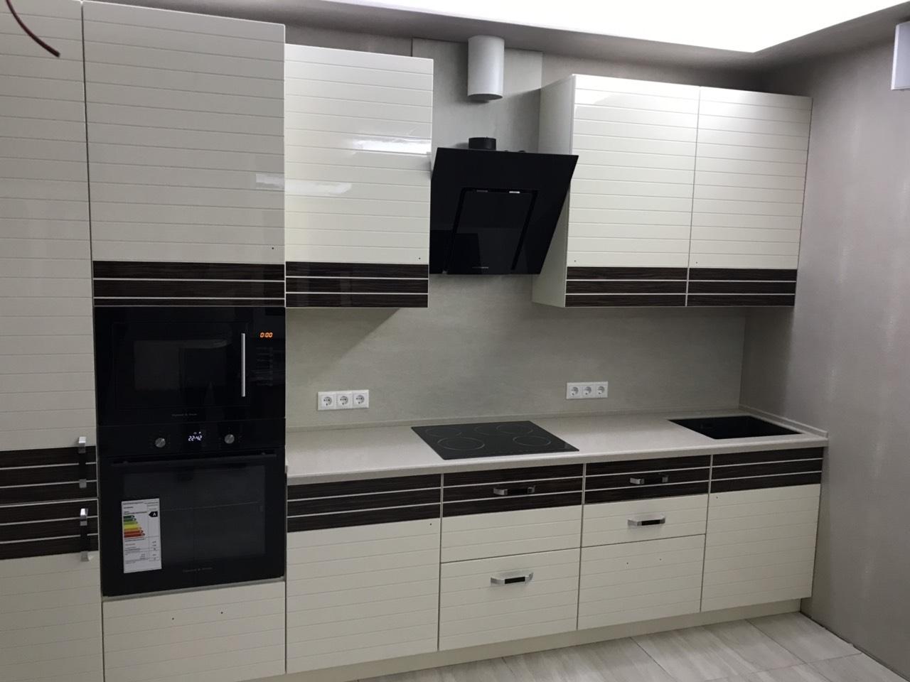 Белый кухонный гарнитур-Кухня из шпона «Модель 524»-фото1