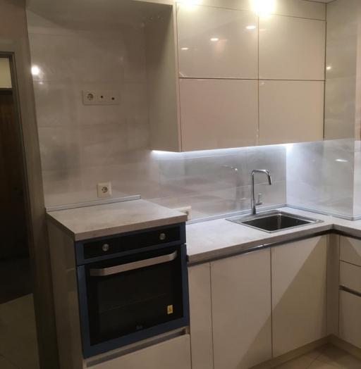 Белый кухонный гарнитур-Кухня из пластика «Модель 337»-фото4